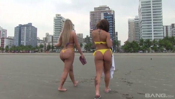 Brasileña de lesbianas Paola Melao y Melissa el uso de los juguetes para la alegría
