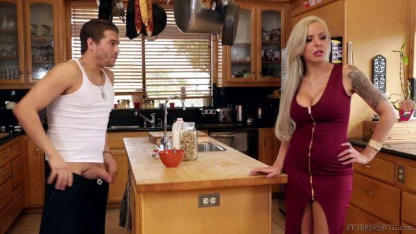 Complicado tio se folla a su sexy alemán madrastra, Nina Elle en una cocina