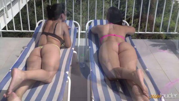 Española de lesbianas Sara May y Pamela Sánchez mierda en un techo