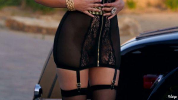 Euro babe de más alto calibre Valentina Nappi en el fabuloso video en solitario