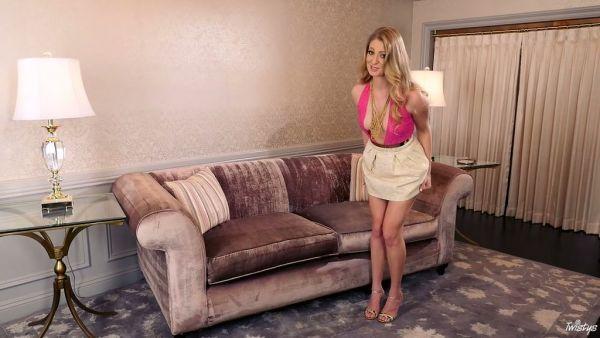 Hermosa Verónica Weston dedo folla su coño en primer plano HD