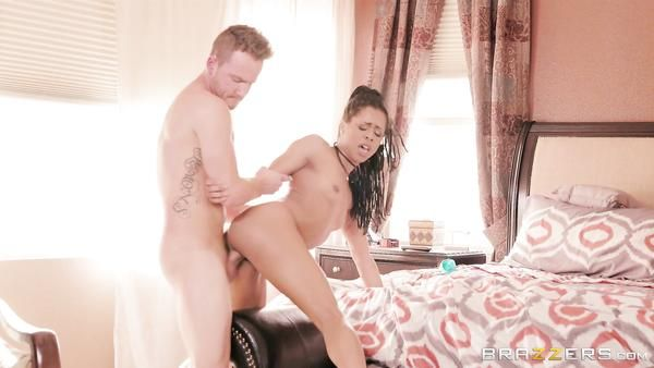Negro Kira Noir seduce a su novio del hermano mayor