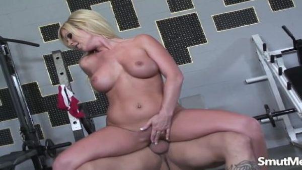 Super sexy rubia follada duro