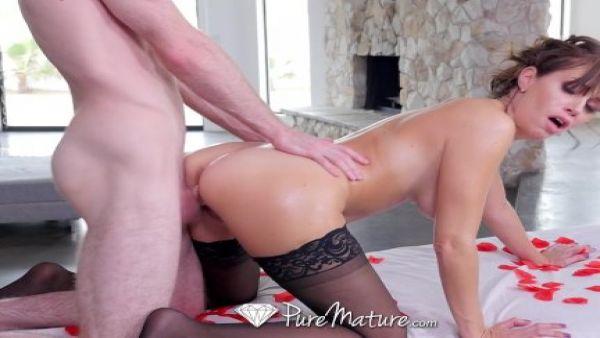 Alana mimar con un masaje de mierda en el Día de san valentín