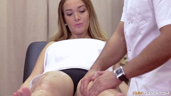 Bomba pecosa Paola Guerra es seducida por masajista