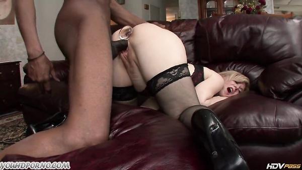 De la vieja escuela porno anal con Nina Hartley y el caballero negro