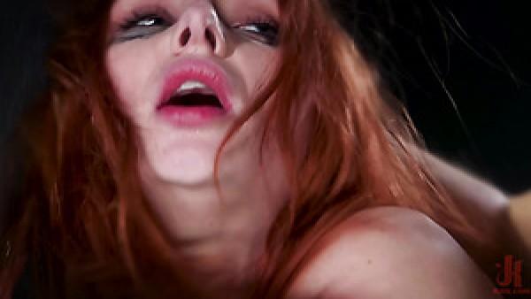 Hecho para la puta obscena BDSM Penny Pax está lista para una follada anal dura