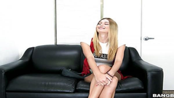 Increíble casting porno con la tetona rubia de ascendencia polaca Natalia Starr