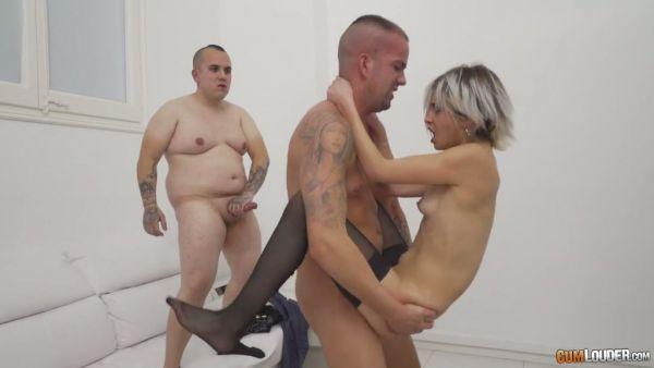 La grasa cornudo relojes Mey Madness follar con un macho y pone un poco de acción