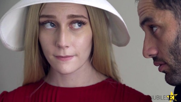 La jovencita Amish Emma Starletto es follada en su joven coño cristiano
