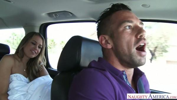 La novia fugitiva Kendall Kayden tiene sexo loco con un conductor súper casado