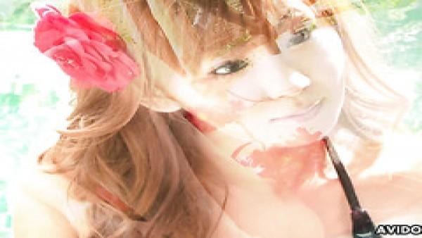 La vagina peluda de Rena Kuroki funciona finamente como un vaso para jugo