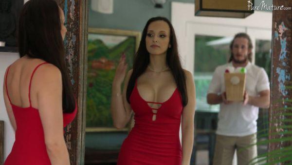 Madura cougar Lexi Luna seduce a jóvenes tipo de mantenimiento de