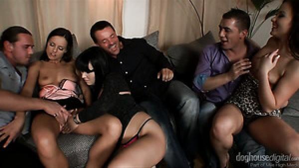 Sexo duro en grupo protagonizado por la estrella porno Kari