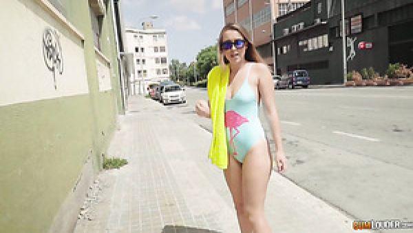 Sexy pecaminosa ninfómana de España Zoe Doll disfruta de azar a la mierda con el coño hunter