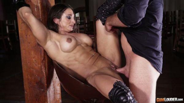 Sucio sexo anal con la española culturista perra Karyn