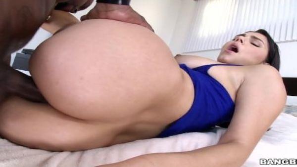 Valentina Nappi se Obtiene Anal y se va Feliz