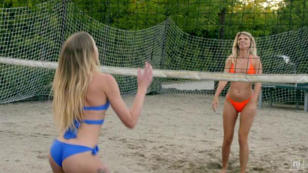 Voleibol chicas Ángel Emily y María Kalisy mierda guapo árbitro